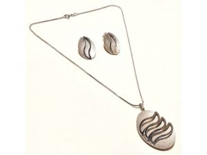 Sanaa Creations Sand Blasting Pendant & Earring With Chain Set Silver Color Fancy Abstract -(product Code-1nk58)