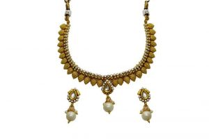 La Trendz Designer Kundan Pearl Necklace Set For Women(1536w)