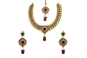 La Trendz Keri Design Ruby And Stone Necklace Set For Women(cprs5mg)