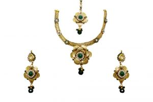 La Trendz Weddingwear Rose Flower Shape Green Women Necklace Set ( Cprs8g)