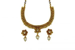 La Trendz Gold Plated Flower Design Necklace Set For Women(lt1539w)