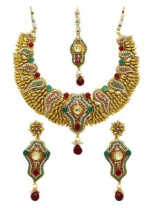 La Trendz Gold Alloy Necklace Set With Maang Tikka(lt1411)