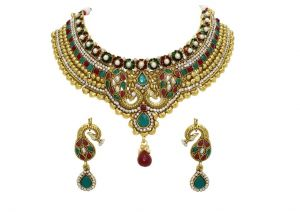 La Trendz Gold Alloy Necklace Set With Maang Tikka(lt1420)
