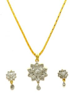 La Trendz Flower Shape Cz Pendent Set For Women( Ltad002)
