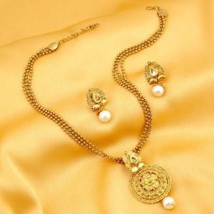 triveni,lime,la intimo,pick pocket,clovia,bagforever,sukkhi,Jagdamba Necklace Sets (Imitation) - Sukkhi Graceful Gold Plated Kundan Necklace Set For Women - (Code - 2581NKDP450)