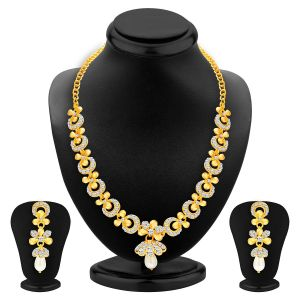 Jagdamba,Clovia,Sukkhi Women's Clothing - Sukkhi Glittery Gold Plated Ad Necklace Set For Women - (Code - 2559NADP550)