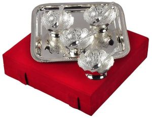 Inindia Silver Plated Serving Set With 1 Tray, 4 Bowls And 4 Spoon With Velvet Box