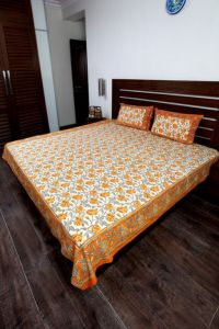 Jodhaa Double Bedsheet Set In Cotton Printed In Plain White, Blue And Brown With Blue Border
