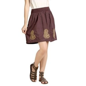 Loco En Cabeza Burgandy Solid Cotton Lace And Embroidery Skirt-(Product Code-CZWS0003)