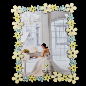 Flower Pattern Glass Photo Frame Size - 8x10 (20x25cm)