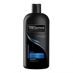 Tresemme Vitamin E Luxurious Moisture Shampoo For Dry Or Dull Hair - 900ml