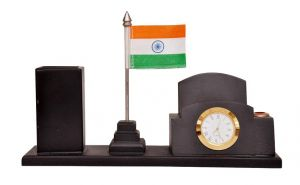 Indigo Creative National Flag With Wooden Pen Stand