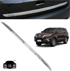 Trigcars Toyota Fortuner New Car Chrome Dicky Garnish