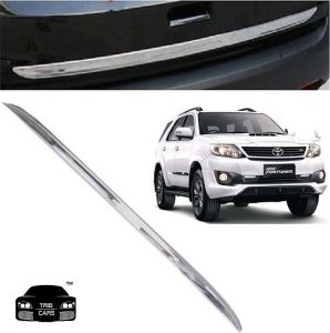 Trigcars Toyota Fortuner Old Car Chrome Dicky Garnish