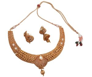 Piah Fashion Choker Alluring Alloy Kundan,beads & Drop Artificial Necklace Set For Women