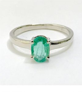 5.00 Ratti Natural Green Emerald Ring Original & Unheated Gemstone Silver Ring ( Code Red00036 )