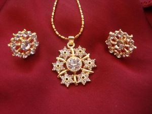 Exclusive Nakshatra Pattern Cz Diamond Pendant Set