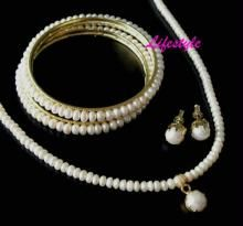 Elegant Complete Fresh Water Pearl Set