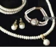 Exclusive Versatile Fresh Water Pearl Set With Bangles With Watch