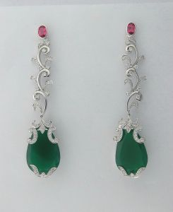 Diamond Emerald White Gold Earrings Int040