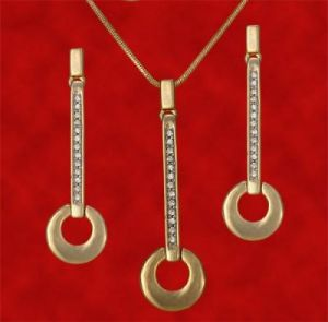 Pearl Pendants - 3812 Pendant Set