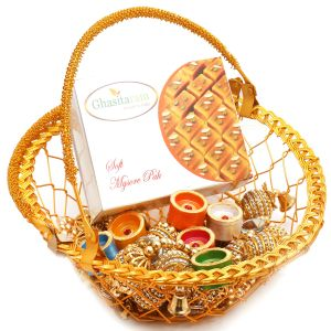 Hampers - Golden Metal Basket Basket With Mysore Pak, Toran And Diyas