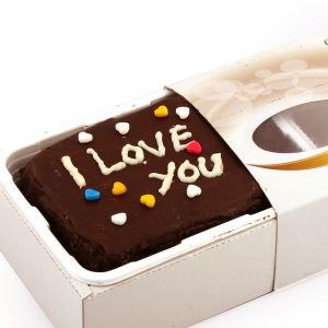 Gifts-i Love You Chocolate Cake