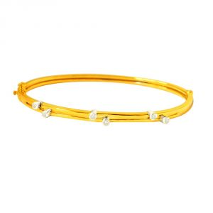 Surat Diamond Twinkling Gold Star Bracelet-(slbr5)