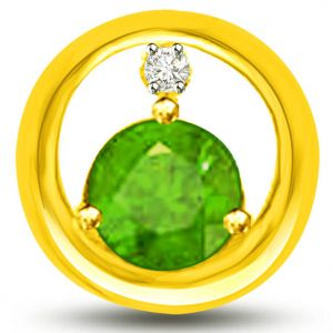 Surat Diamond Endearing Diamond And Emerald Pendant In Yellow Gold - P1147