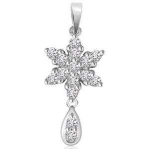 Kiara,Flora,Triveni,Valentine,Surat Diamonds,Clovia Women's Clothing - Surat Diamond 0.30 cts White 14K Flower Diamond Pendant -  P661