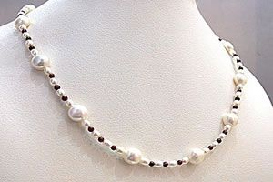 Surat Diamond Pearl Mocha Necklace Sn278