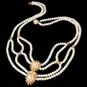 Surat Diamond Pearl Poise Necklace Sp225