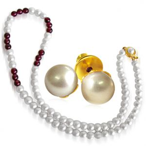 Surat Diamond - Pearl And Garnet Necklace With Pearl Earrings - Sn44+se65
