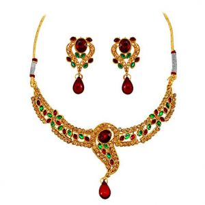 Surat Diamond - A Dazzling Red & Green Kundan Necklace Earring -ps95