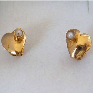 Triveni,Pick Pocket,Jpearls,Surat Diamonds,Arpera,Estoss,Oviya Pearl Earrings - Surat Diamond Love You Twice - Pearl & Silver Gold Plated Earrings SE232