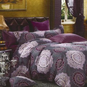 Loveable Purple Cotton Double Bedsheet With Contemporary Print
