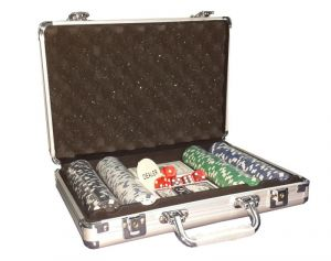 200 PCs Poker Chip Game Set Toy In Silver Aluminium Case