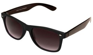 Stylish Bay Black Wayfarer Sunglasses With Hard Case