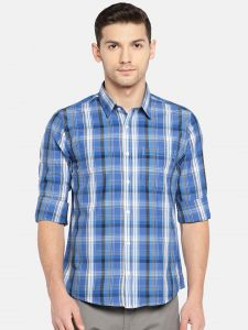 Solemio Men Blue Checked Casual Shirt (code - A18sh1016ebu)