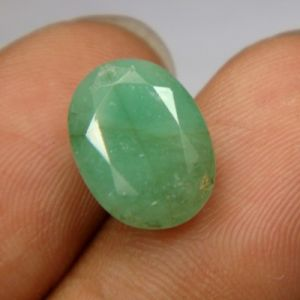 Buy Lab Certified 4.85cts Natural Untreated Emerald/panna online