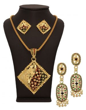 Buy Vendee Fashion Traditional Jewellery Combo online