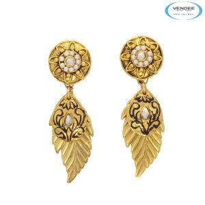 Buy Vendee Eye-catchy Fashion Jewelry Earrings online