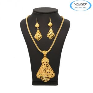 Buy vendee unique designer gold pendant set 6890 online best buy vendee unique designer gold pendant set 6890 online aloadofball Images