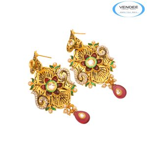 Buy Vendee Classy Earring online