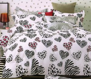Buy Welhouse India Love By Heart Fitted Double Bed Sheet With 2 Pillow  Covers Online