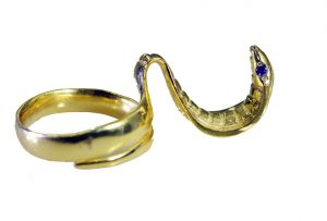 Buy Riyo Gemstone 18kt Gold Plated Snake Ring Gprsna80-290023 online