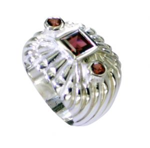 Buy Riyo Garnet Hammered Silver Silver Ring Band Sz 6.5 Srgar6.5-26202 online
