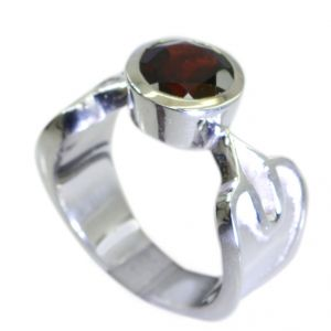Buy Riyo Garnet Unique Silver Jewelry Silver Twist Ring Sz 7 Srgar7-26053 online