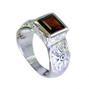 Buy Riyo Garnet Silver Signet Ring Jewelry Jewelry Sz 7 Srgar7-26086 online