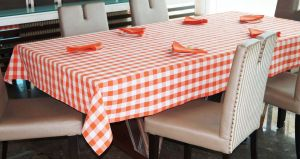 Buy Lushomes Yarn Dyed Orange Checks 6 Seater Table Cloth & Napkins Set online